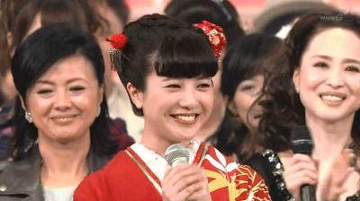 Yoshitakayuriko_nhk_kouhaku_2014123